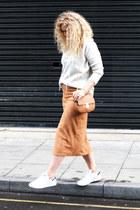 white suede skirt Boohoo skirt - off white Primark jumper