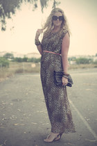dark brown pleated maxi new look dress - black studded clutch Primark bag