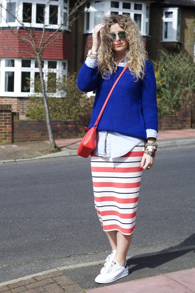 red F&F skirt - red F&F bag - white stan smiths Adidas sneakers