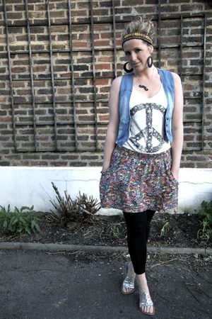 blue Primark vest - black H&amp;M leggings - blue Zara skirt - white H&amp;M top - black