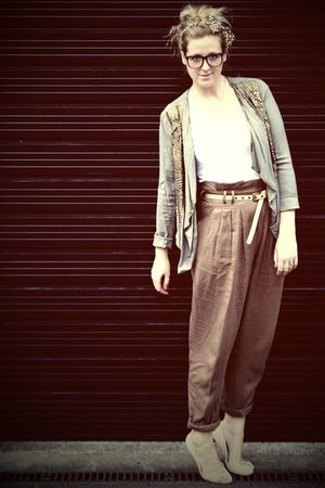brown Zara pants - white Zara t-shirt - green new look jacket - pink Topshop sho