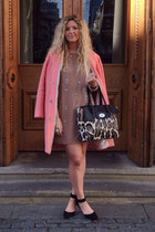 salmon Topshop coat - light brown H&M Trend dress - black Primark heels