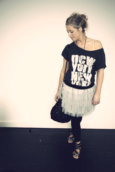 black Peacocks shoes - black H&M leggings - black bag Primark accessories