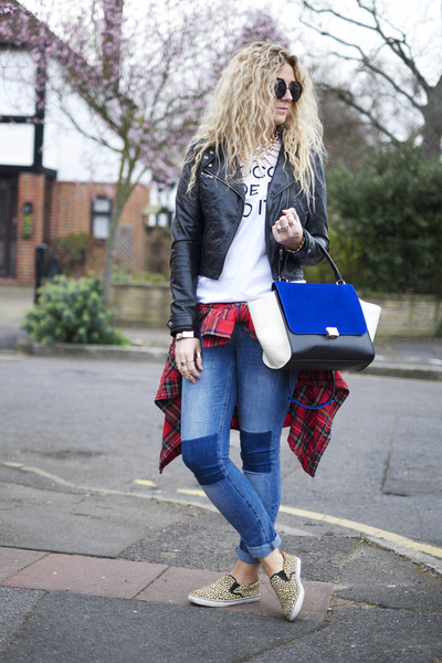 white In Love with Fashion t-shirt - navy H&M jeans - red tartan Primark shirt