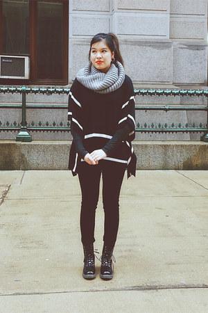 black diva lounge boots - black American Eagle jeans