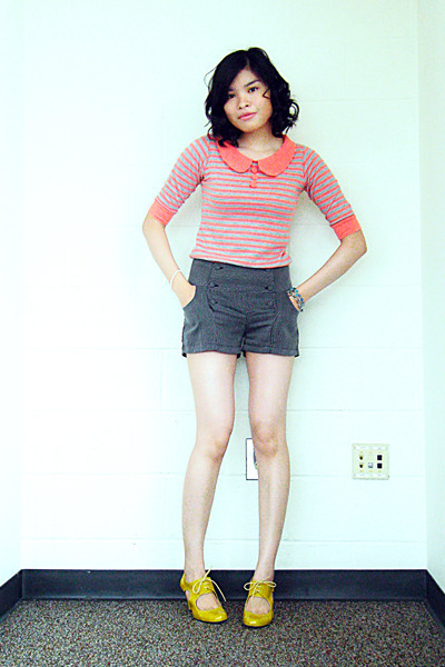 Redhead top - Glorietta shorts - Schu shoes - Glorietta Teen Zone bracelet - div