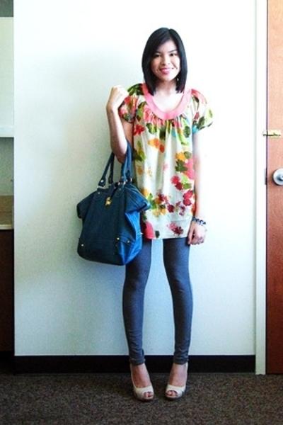 Liz Lange for Target top - Express leggings - Mossimo shoes - landmark accessori