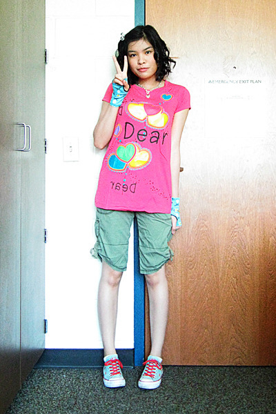 pink oversized divisoria shirt - green low top Converse shoes