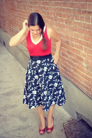 black vintage skirt - ruby red Forever 21 shirt - ruby red peep toe pumps