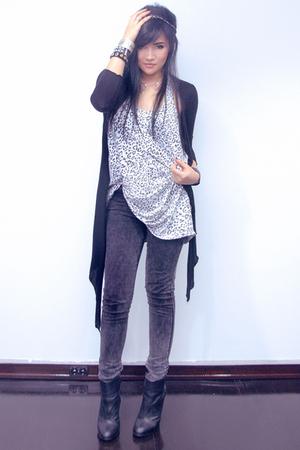white Topshop top - black Topshop boots - black Topshop jeans