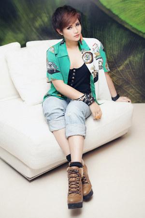 thrifted vintage blouse - hiker boots Topshop boots - boyfriend jeans H&M jeans