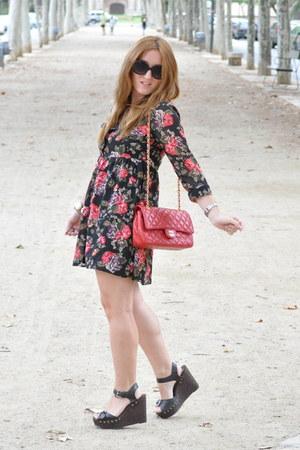 H&M dress - Chanel bag - Primark sandals
