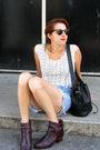Vintage-blouse-vintage-guess-shorts-vintage-boots-vintage-bag-accessorie