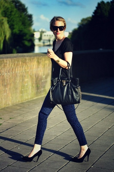 navy Zara pants - black Michael Kors bag - black Zara t-shirt