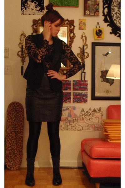 thrifted skirt - thrifted shirt - forever 21 vest - aa leggings - socks - meliss