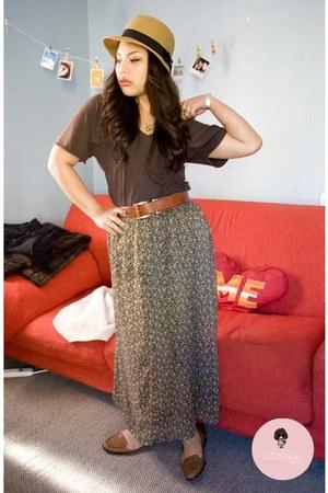 brown t-shirt - sky blue skirt
