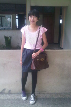 pink top - black skirt - black tights - gray Converse shoes - brown Mulberry bag