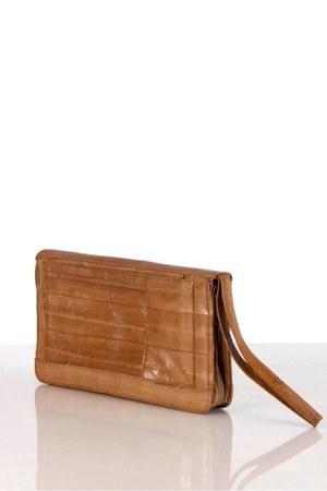 unknown purse