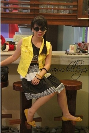 yellow Topshop vest - Thrift Store dress - black Ray Ban sunglasses
