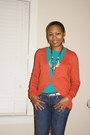 Levis-jeans-old-navy-t-shirt-gap-cardigan-f21-belt