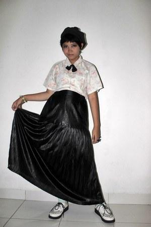 black long unbranded skirt