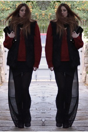 black Topshop boots - brick red vintage sweater - black fur vest Topshop vest