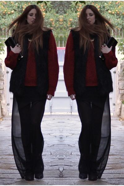 black Topshop boots - brick red vintage sweater - black fur vest Topshop vest