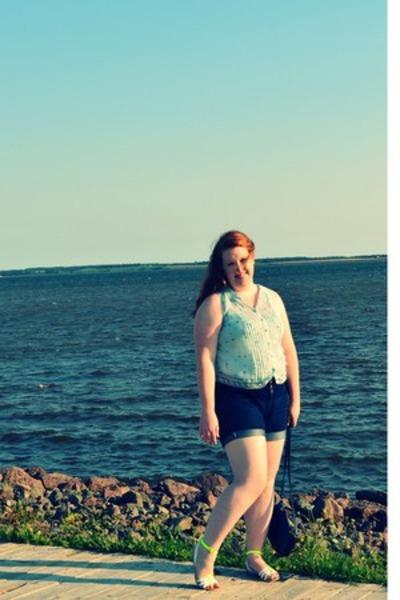 Smart Set blouse - Old Navy bag - Dorothy Perkins shorts - Aldo sandals