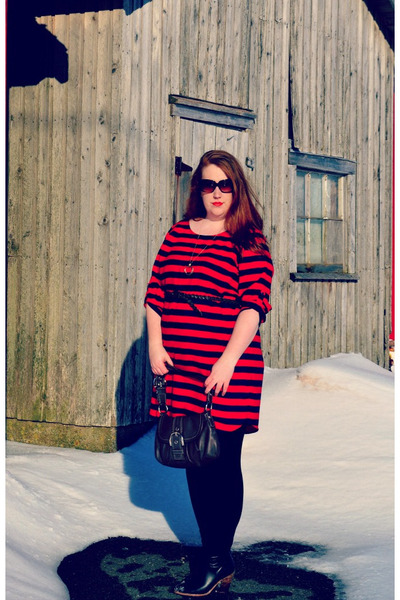 red striped Gap dress - black Joe Fresh boots - black Joe Fesh leggings