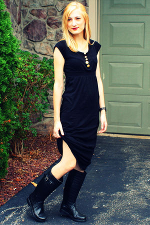 gray Delias vest - black H&M dress - black Aldo shoes