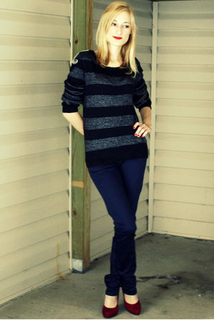 blue H&M sweater - blue H&M pants - red Nine West shoes