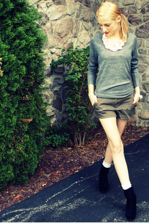 gray H&M sweater - pink H&M necklace - green Forever XXI shorts - gray Target so