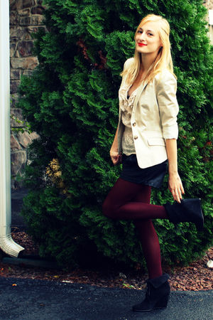 beige H&M blazer - beige H&M shirt - black Zara shorts - red Forever XXI tights