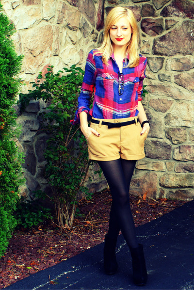blue American Eagle shirt - beige H&M shorts - black Zara belt - black H&M tight