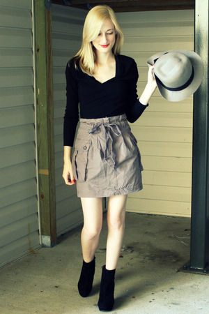 black Old Navy top - purple H&amp;M skirt - black Bamboo shoes - gray H&amp;M hat