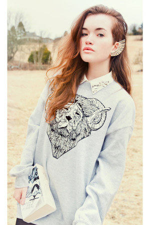 embellished pieces shirt - lion head Luke Dixon sweatshirt