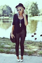 black vintage hat - black H&M pants - black Zara blouse
