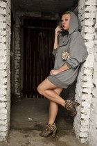 bronze new look boots - camel new look bag - heather gray second hand blouse