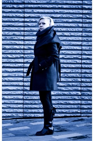 black Kari boots - black Mosquito coat - black baba bag