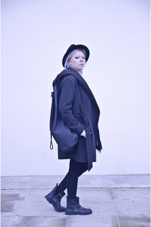 black Mosquito coat - black baba bag - black Zara blouse