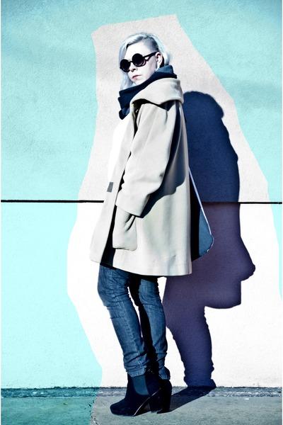 black deezee boots - camel second hand coat - off white agalospl bag
