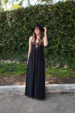 2020AVE necklace - Tobi dress - Nasty Gal hat - Nasty Gal bracelet - DSW sandals