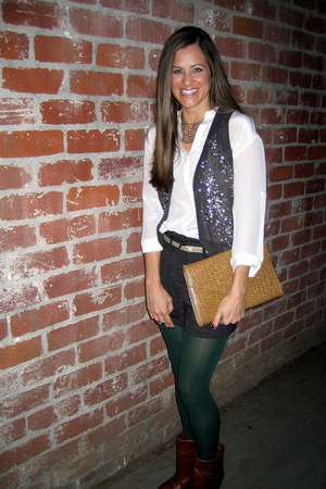 Steve Madden boots - vintage purse - Forever 21 shorts - twelfth street by cynth
