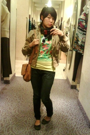 Threadless shirt - Forever21 sunglasses - Forever21 jacket - Clark shorts - Uniq