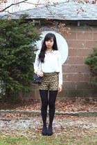 Forever 21 shorts - Chanel bag - Forever 21 blouse - franco sarto heels