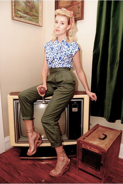 vintage blouse - safari vintage banana republic travel & safari pants - wedges
