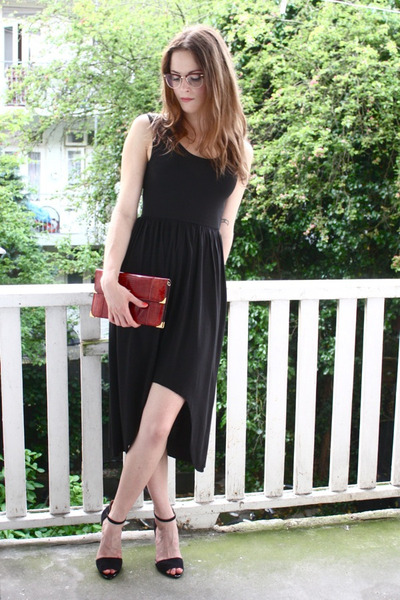 black asymetrical 2dayslook dress - brick red lizard vintage bag
