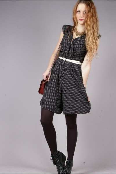 black vintage dress - white vintage belt - black Wedins boots - red vintage purs