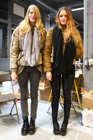 black H&M boots - brown faux fur H&M jacket - black circle H&M scarf