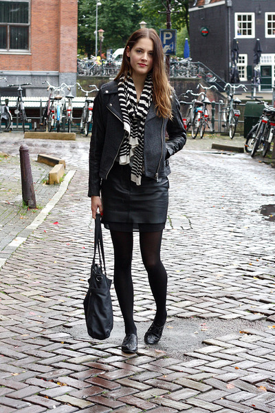 black leather H&M Trend skirt - gray biker Goosecraft jacket